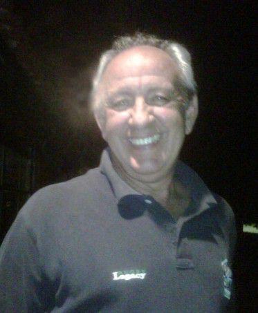 Chau Gastón … el saludo a un amigo